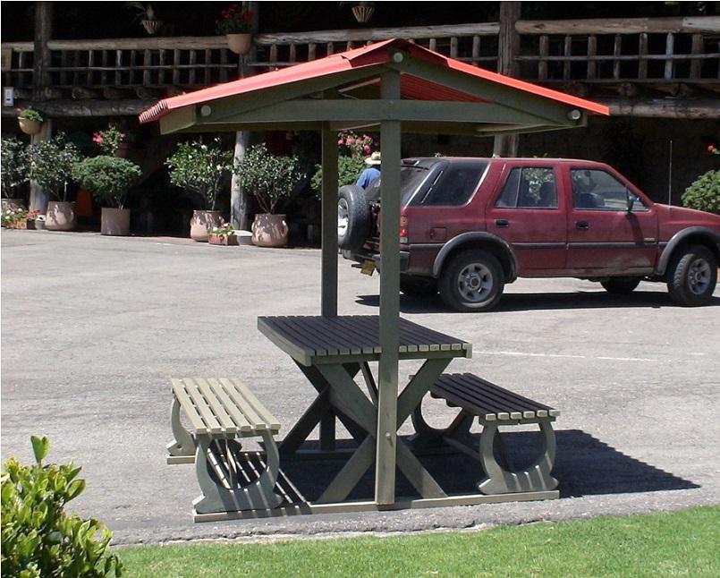30 muebles campestres exteriores interiores mobiliarios for Comedores escolares bogota