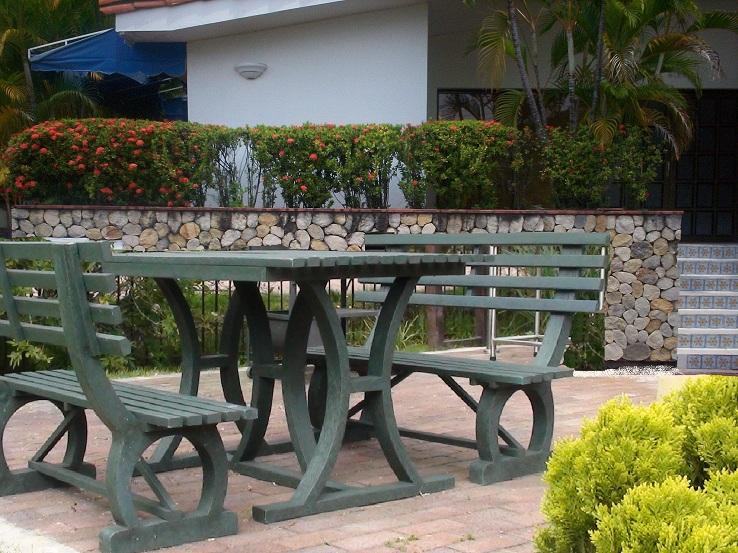 30 muebles campestres exteriores interiores mobiliarios for Mobiliario para bar